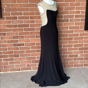Long, formal dress size 4